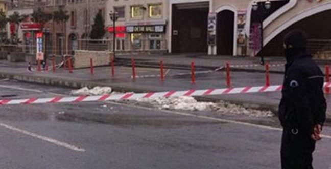 AVM'nin önünde el yapımı bomba bulundu
