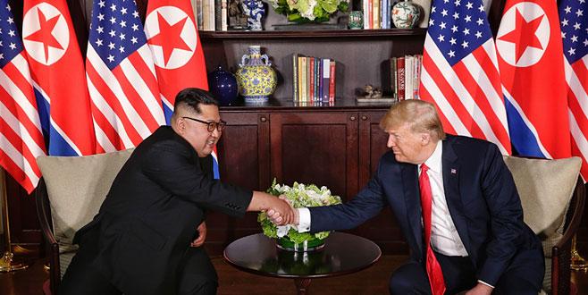 Tarihi zirve! Trump ve Kim Jong-un bir arada
