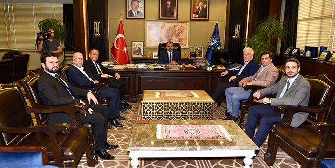 Bursaspor yönetimi Başkan Aktaş'ı ziyaret etti