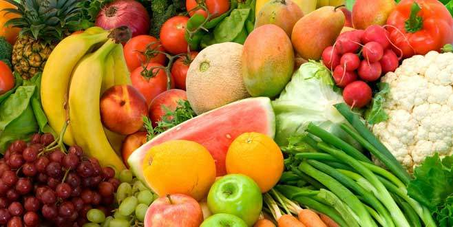'Sebze ve meyvedeki fiyat artışını aracı yapıyor'