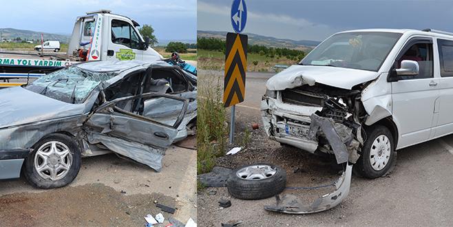 Bursa'da trafik kazası: 1 ölü, 9 yaralı