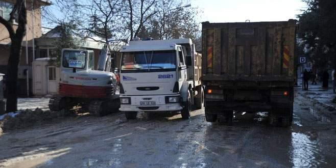 Orhangazi Belediyesi bozuk yollar için çalışma başlattı