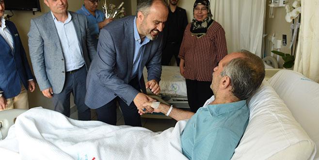 Hastalara 'bayram' ziyareti