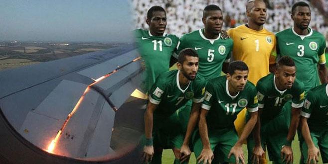 Uçağın motoru havada alev aldı! Suudi Arabistan kafilesinde panik