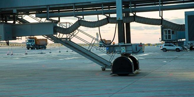 Cumhurbaşkanı Erdoğan'ın uçağı hareket etti! Yeni Havalimanı'na ilk iniş