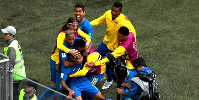 Dünya Kupasında unutulmayacak maç! 90+1'deki gol çıldırttı