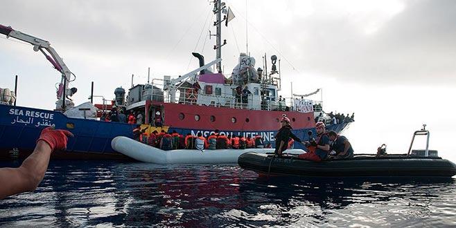 Kurtarılan göçmenleri taşıyan gemi personeline tutuklama tehdidi