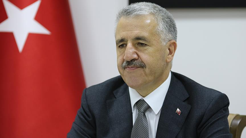 Bakan Arslan: Çağrı merkezleri ekonomiye yılda 500 milyon lira katkı sağlıyor