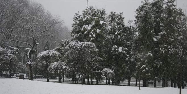 Kar, Bursa'ya geri döndü!