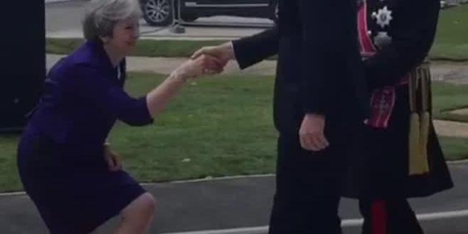 Başbakan May alay konusu oldu