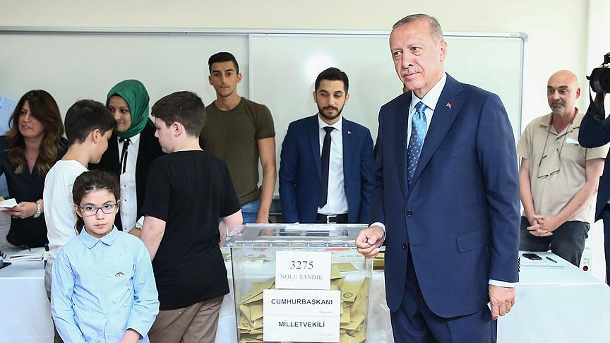 Cumhurbaşkanı Erdoğan'ın oy kullandığı sandıktan kim çıktı?