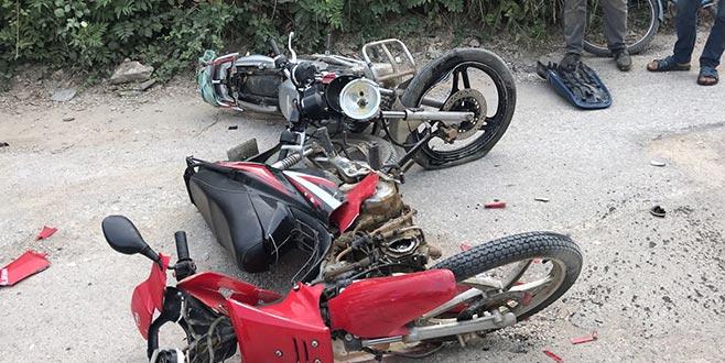 Bursa'da iki motosiklet çarpıştı: 1 ölü, 1 yaralı