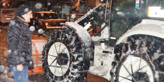 Yeni Yıldırım'da kar ulaşıma engel değil!