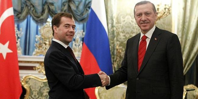Medvedev Erdoğan'ın yemin törenine katılacak