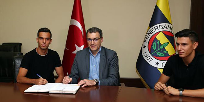 Fenerbahçe transferlerini resmen duyurdu!