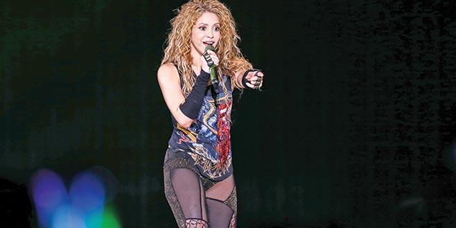 Shakira'nın başı belada