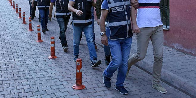 Ankara merkezli 13 ilde FETÖ operasyonu