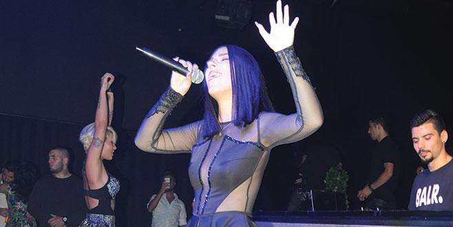 Dünyaca ünlü şarkıcı Ceceli hayranı çıktı