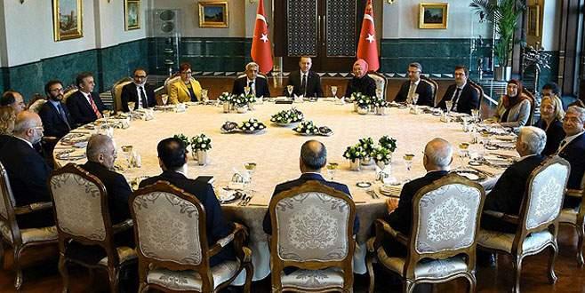 Cumhurbaşkanlığı Sofrası'nın ilk konuğu akademisyenler