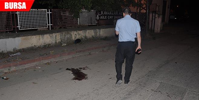 Ev arkadaşını sokak ortasında öldürdü