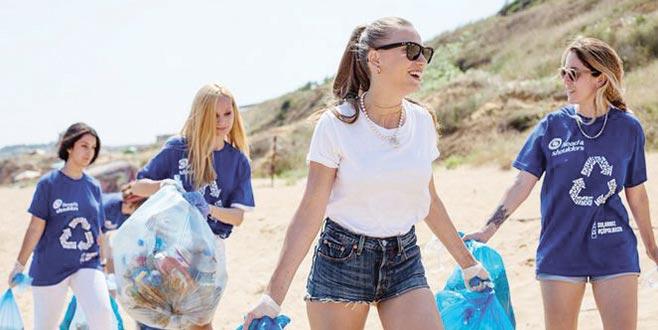 Serenay'dan kıyı temizliği