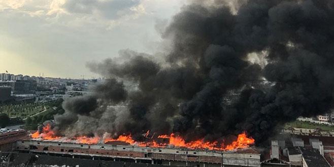 İstanbul korkutan yangın!