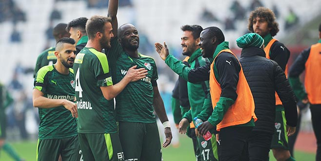 Bursaspor, satış listesindeki 7 oyuncuya teklif bekliyor