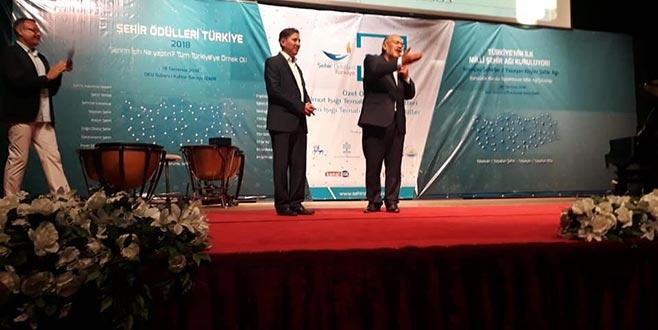 Harmancık'a yılın kalkınma projesi ödülü