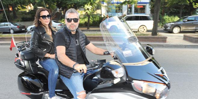 Motosiklettutkunu çift