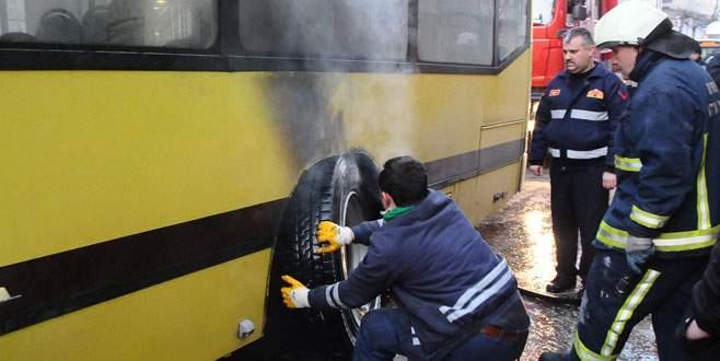 İçinde yolcu varken yandı