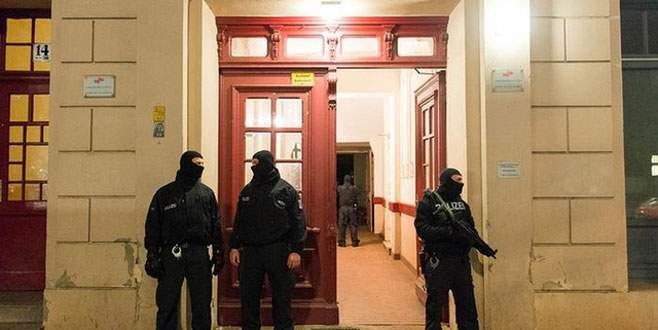 Almanya'da IŞİD operasyonu, 2 Türk tutuklandı!