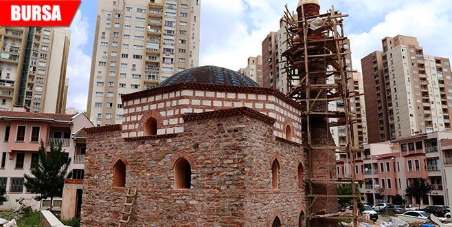 600 yıllık cami küllerinden doğuyor