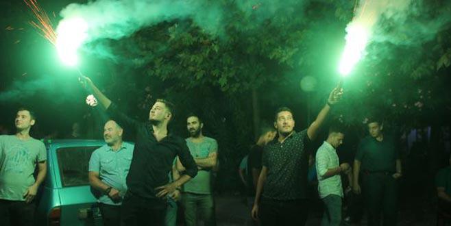 Davalık taş ocağı kapatıldı, bölge halkı meşalelerle kutladı