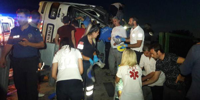 Bursa'da otobüs devrildi: Bir kişi hayatını kaybetti çok sayıda yaralı var