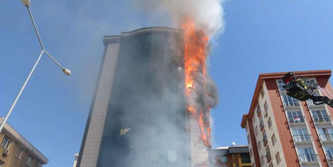 9 katlı plazada yangın
