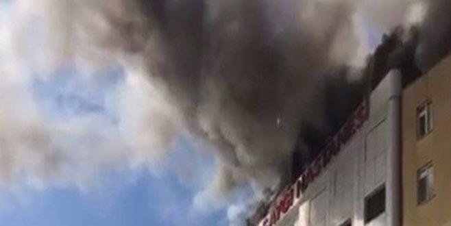Hastanede yangın! Çok sayıda ekip sevk edildi