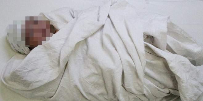 Bursa'da 40 günlük bebek donmak üzereyken bulundu