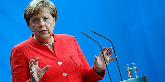 Merkel: Suudi Arabistan'a silah satışı yapılamaz