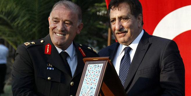 Bursa'dan Erzurum'a atanan Tümgeneral'e veda töreni