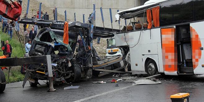 Bayram tatilinin ilk gün kaza bilançosu: 19 ölü, 91 yaralı