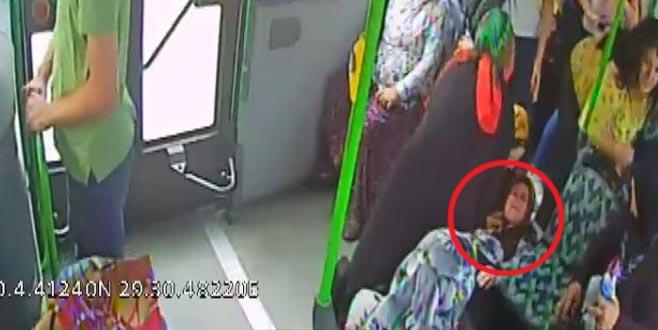 Otobüs şoförü kalp krizi geçiren kadının hayatını kurtardı