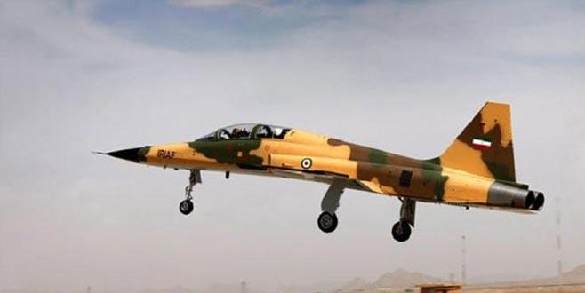 İran 'yüzde 100 yerli' savaş uçağı Kovsar'ı tanıttı! Türkiye'ye mesaj yolladı...