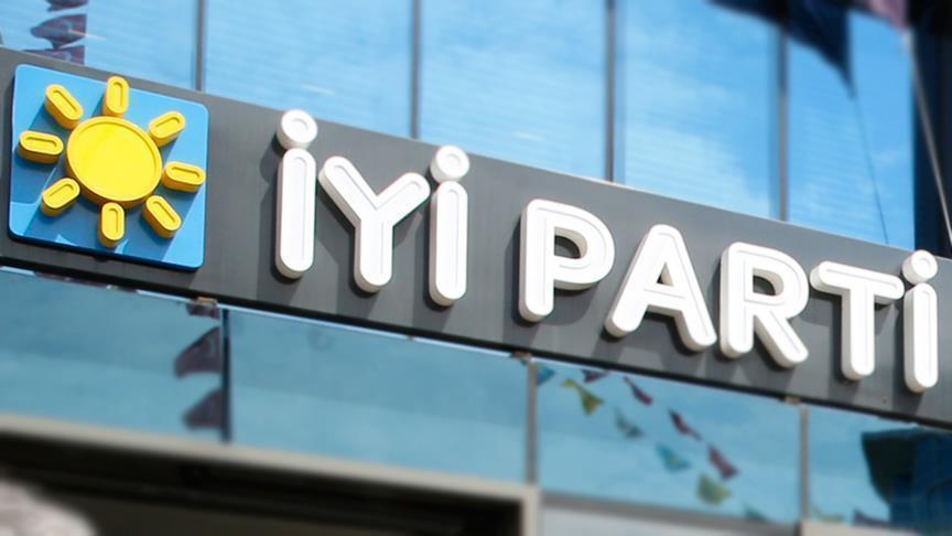 İYİ Parti'de FETÖ tartışması istifa getirdi