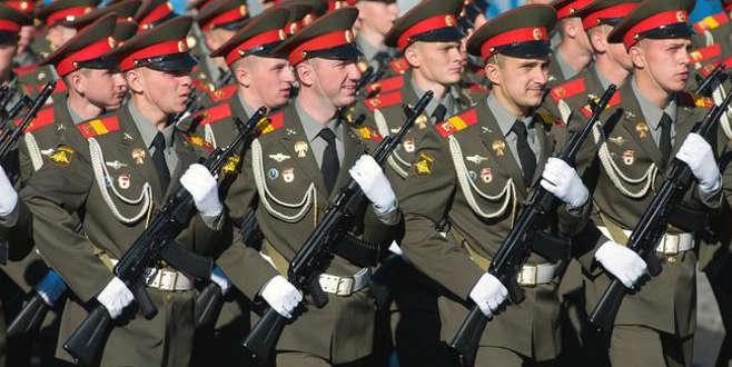 Rusya'dan gözdağı! 300 binden fazla asker...