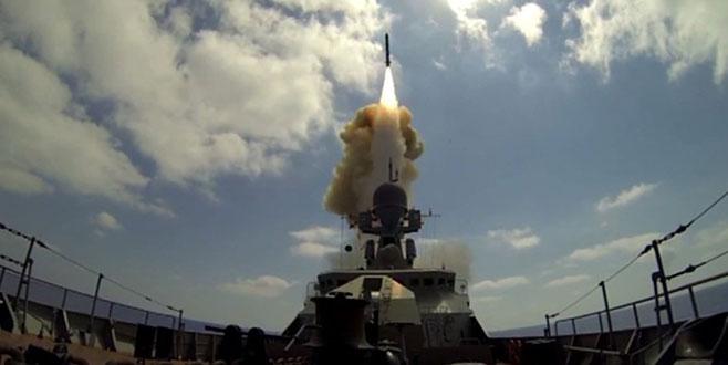 Rusya'dan Akdeniz'de dünyaya gözdağı! 25 savaş gemisi, 30 jet birden...