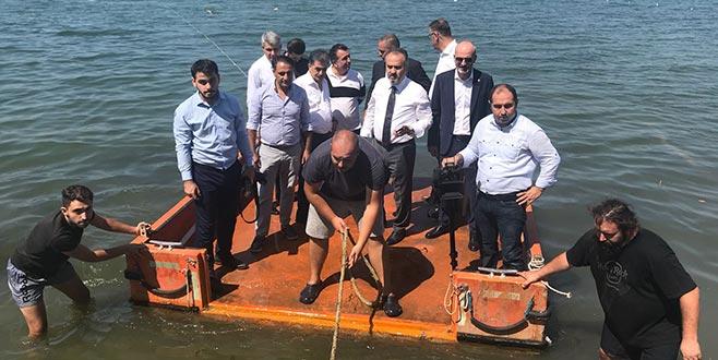 Başkan Aktaş, İznik Gölü'ndeki tarihi yapıyı inceledi