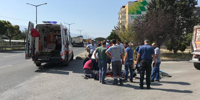 TIR'a çarpan bisiklet sürücüsü yaralandı