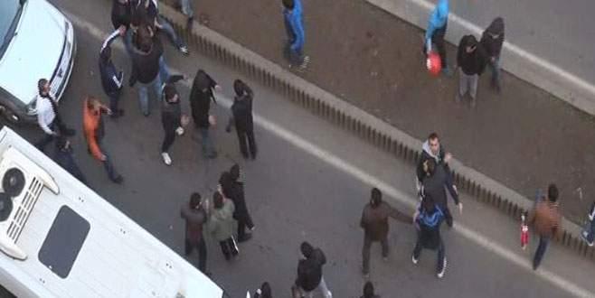 Cadde ortasında silahlı kavga!