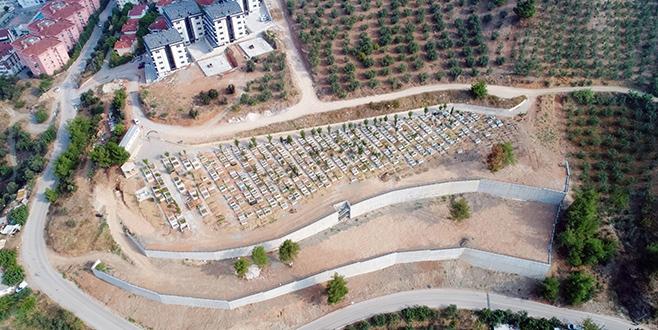 Türkyılmaz mezarlık genişletme çalışmasının bitmesini istedi