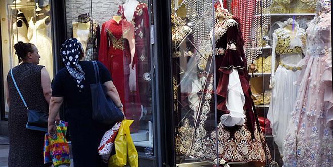 Düğün Çarşısı'nda Arap turist ve gurbetçi bereketi